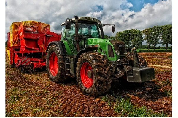 Big-Green-Diesel-Farm-Tractor